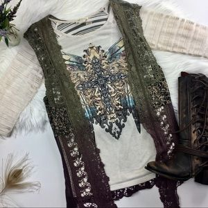 NWOT ANGELS & DIAMONDS Embellished Designed Top